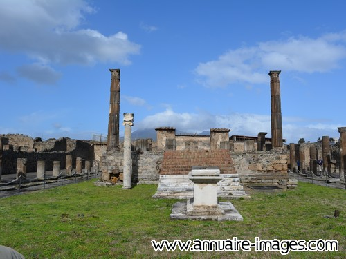 Place du Forum à Pompei