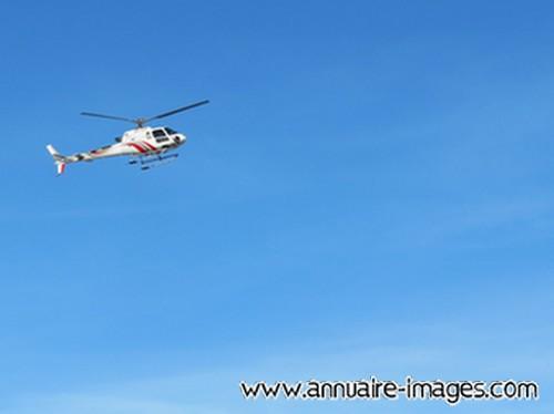 Photo h licopt re blanc et rouge dans les airs - Helicoptere jaune et rouge ...